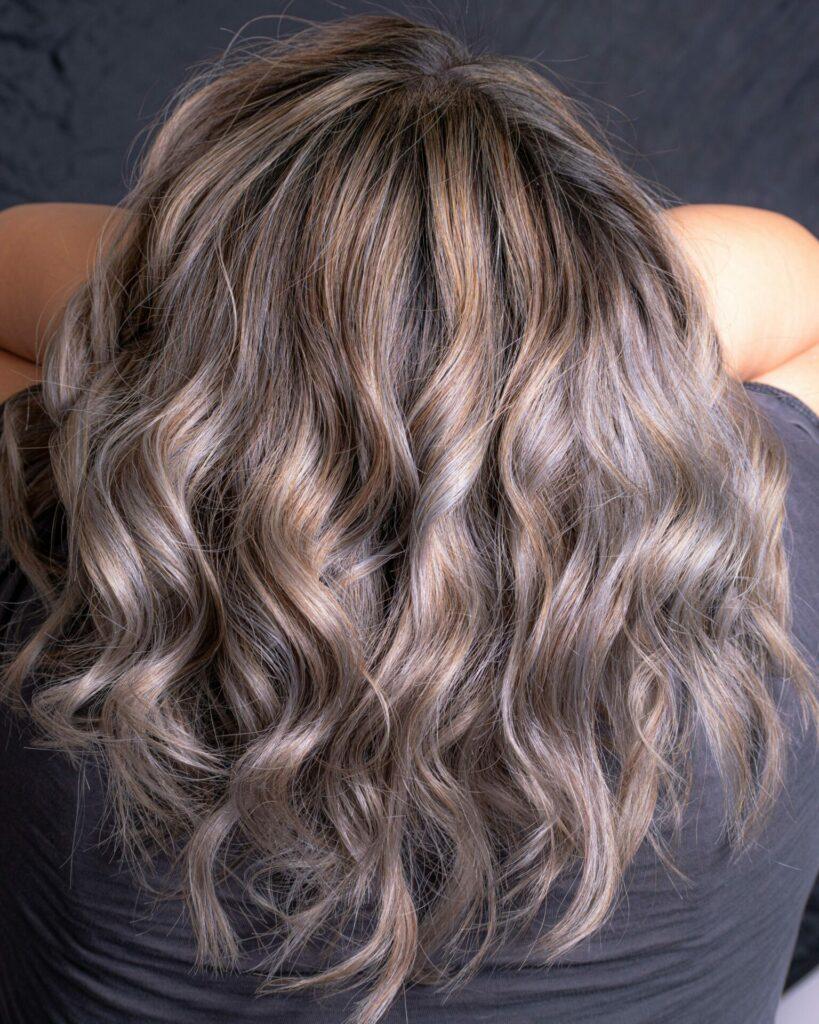 Wellen für voluminöses Haar