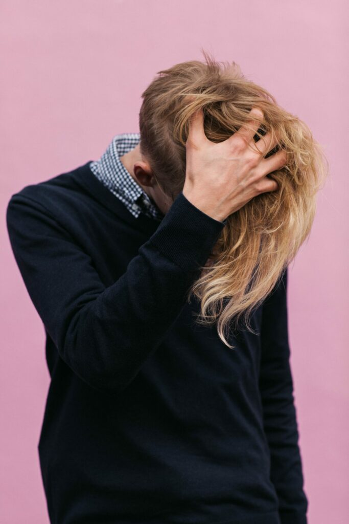 Undercut mit langem Haar